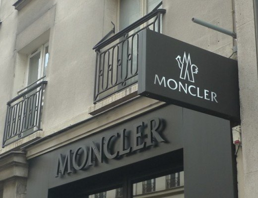 Moncler Store